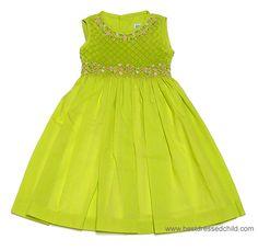 Smocks, Kids Clothes, Childrens Dresses, Childrens Clothes, Girls Clothes, Sundays Best, Cute Dresses, Little Girls, British, Best Dressed, Girls, Cute Babies