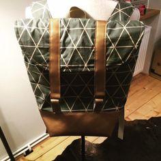 "Rucksack ""Pakke"" von Sabine: http://www.kreativlaborberlin.de/naehanleitungen-schnittmuster/rucksack-pakke/"