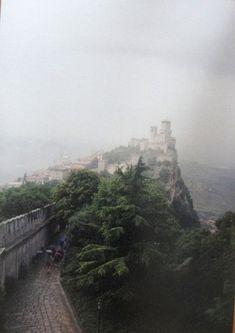 #magiaswiat #włochy #podróż #wakacje #zwiedzanie #europa  #blog #sanmarino #zamek #ruiny #wieża #państwo Monument Valley, Nature, Blog, Travel, Europe, Naturaleza, Viajes, Blogging, Destinations