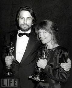 "Robert De Niro Best actor award 1980 for ""Raging Bull"" and Oscar as Best Actress for Sissy Spacek for ""Coal Miner's Daughter"""