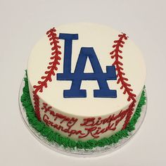 THINK BLUE: Go dodgers! @dodgers #cake #cakes #fondant #buttercream…