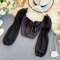 Corset+Floral+Crop+Top Size+is+one+size+with+measurements+as+mentioned+below: PLEASE+READ:+there+are+chances+that+your+package+will+be+sent+in+separate+package+if+you+order+multiple+products+from+us.+Don't+worry,+everything+will+arrive+:D Crop Top Outfits, Mode Outfits, Cute Casual Outfits, Outfits For Teens, Pretty Outfits, Stylish Outfits, Girls Fashion Clothes, Fashion Outfits, Style Fashion
