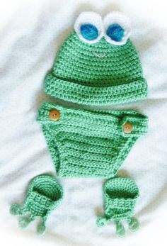 Crochet Baby Froggy Outfit. This is so adorable! I need to find someone to make it b/c I'll never be able to...