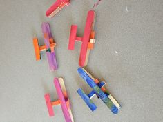 Airport Unit: I put together airplanes (made from craft sticks) and the children painted them for our art. Eyfs Activities, Hands On Activities, Classroom Activities, 3d Art Projects, School Projects, Crafts For Boys, Toys For Boys, Transportation Crafts, Craft Stick Crafts