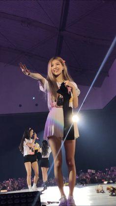 Divas, Kim Jennie, South Korean Girls, Korean Girl Groups, Yg Entertainment, My Girl, Cool Girl, K Pop, Rose Bonbon