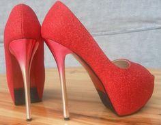 ZAPATOS GLEE Color: Blanco, Negro, Dorado, Rojo Talla: 36, 37, 38, 39, 40 Precio: 39.99€ www.cocoylola.es #cocoylola #moda  #shoes #zapatos #tiendaonline #shop #españa