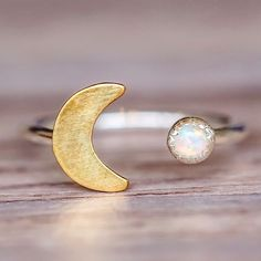 awesome Mermaid Half Moon and Opal Ring Bohemian Jewelry Indie and Harper. Simple Jewelry, Cute Jewelry, Jewelry Box, Jewelery, Jewelry Accessories, Jewelry Design, Jewelry Ideas, Jewelry Trends, Jewelry Making