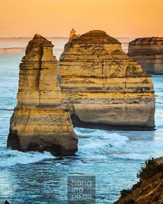 12 Apostles sunrise just as it hit the top of one of the apostle. : Canon 5D MKIII : Canon 24-105mm ƒ/4 : 1/2500 ISO250 ƒ/4 : N/A : VIC AU #amazing_australia #australia #australiagram #bestofaustralia #exploreaustralia #ig_australia #iloveaustralia #seeaustralia #worldbestshot #wow_australia #ausfeels #visitvictoria #rocks #ocean #stars #night #dusk #dawn #liveinvictoria #greatoceanroad #VisitGreatOceanRoad #sunrise #sunset #otways #canonaustralia #lochardgorge #12apostles #hello_bluey by…