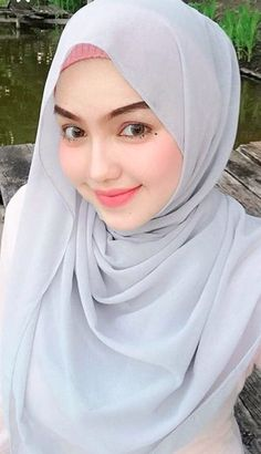 Beautiful Hijab Girl With Cute Cheeks - Setahunbaru Beautiful Hijab Girl, Beautiful Muslim Women, Beautiful Lips, Hijabi Girl, Girl Hijab, Moslem, Simple Hijab, Muslim Beauty, Beauty Full Girl