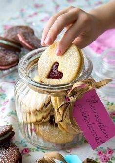 Herrasväen pikkuleivät Biscuit Cookies, No Bake Cookies, Cake Cookies, Jelly Recipes, Jam Recipes, Baking Recipes, Christmas Treats, Christmas Baking, Peanut Butter Recipes