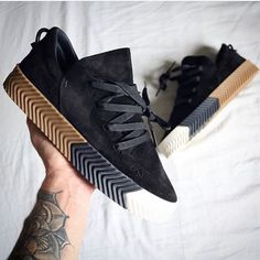 Alexander Wang x Adidas Originals or ? @outfitsteez #FREofficial #FREkickz (via @jansoomich )