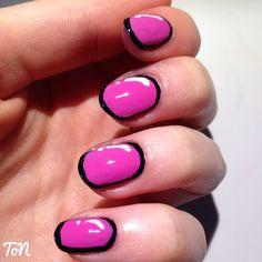 Day 14 of #tippedoffnailartchallengejuly - Pop art nails