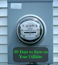 30 Days to Save on Your Utilities Day 3: Hang Clothes on the Line to Dry #frugal #savingmoney #budget