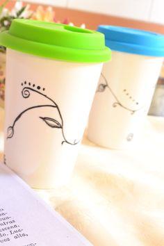 Tazas de ceramica pintadas a mano