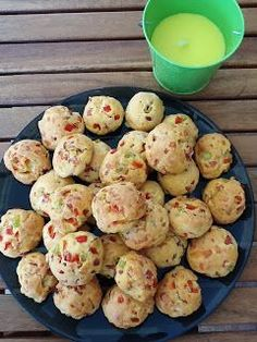 Easy Snacks, Easy Meals, Cyprus Food, Snack Recipes, Cooking Recipes, Greek Cooking, Buffet, Eating Organic, Appetisers
