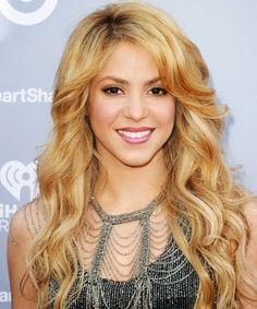 cotibluemos: Shakira da a luz a su segundo hijo