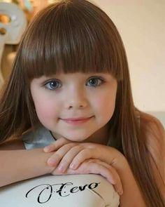 Women Who Defy Today's Standards Of Beauty Pretty Kids, Beautiful Little Girls, Cute Little Girls, Beautiful Children, Beautiful Eyes, Beautiful Babies, Cute Kids, Baby Kind, Cute Baby Girl