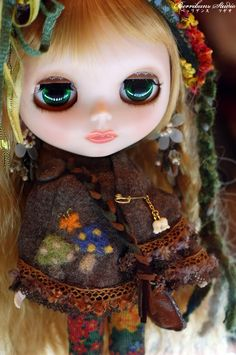 Gorgeous dolls. I really love how beautiful they look.