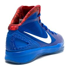 pretty nice 01702 fc8eb These Nike Hyperdunk 2011 Blake Griffin LAC PE are Griffin s own player  exclusive in a Los Angeles Clippers color way of treasure blue, white and sport  red.