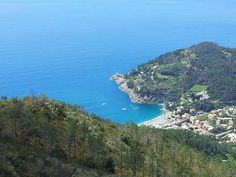 Il monte Rossola vigila su Bonassola Liguria Italia
