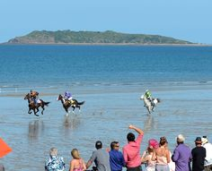 Mackay Beach Horse Racing Festival will take place on Saturday, August 8, 2015