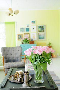Living room by jutta / kootut murut, via Flickr  so bright and cheerful ^-^