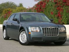 Research the 2005 Chrysler 300