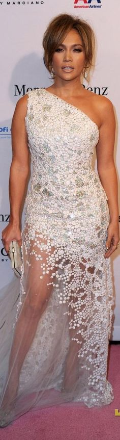 Red Carpet fashion dress...I want to be able to pull this off even better than J Lo can