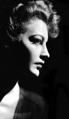 Ava Gardner, 1940s
