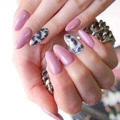 Pretty in pink Love Nails, Pretty Nails, My Nails, Beauty Nails, Hair Beauty, Gel Nail Designs, Stylish Nails, Mani Pedi, Nail Arts