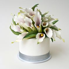 Edible Flowers add a natural elegance to this Lovely & Affordable Confection ~ Brides: Wedding-Worthy One-Tier Cakes