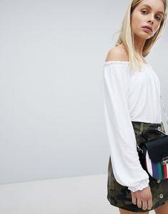 c290da94e6 Bershka Frill Edge Bardot Top In White