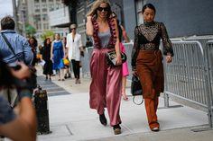 nyfw street style margaret zhang  #streetstyle #fashion #trends2016 #fashionstyle   http://www.bykoket.com/inspirations/category/trends/fashion