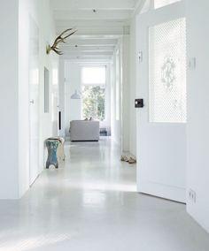 Big hallway floor by Microcement Eclectic Living Room, Home Living Room, Interior Design Living Room, Modern Interior, Estilo Interior, Interior Styling, Interior Decorating, Interior Inspiration, House Design