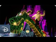 In case you missed the #DisneyParksLIVE stream of the Main Street Electrical Parade on Sunday night, you can catch a replay right here! As a reminder, this classic nightime spectacular ends its run at Magic Kingdom at the Walt Disney World Resort on Oct. 9, 2016. It then heads to Disneyland Park for a limited-time encore engagement. Request your vacation quote today > http://www.emailmeform.com/builder/form/U3oA9Fid7e2094NXBhee #DisneySide #WishWithCrystal