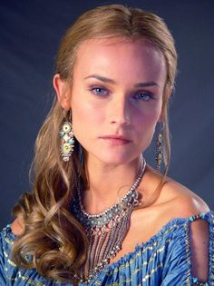 Diane Kruger as Helen of Troy. How beautiful is she. Diane Kruger as Helen of Troy. How beautiful is she. Diane Kruger, Actrices Blondes, Troy Movie, Helen Of Troy, Blonde Actresses, Kendall Jenner Outfits, Kirsten Dunst, Hollywood Actresses, How Beautiful