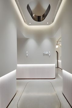 宁波万象汇 on Behance Showroom Interior Design, Hotel Room Design, Lobby Interior, Lobby Design, Interior Architecture, Restroom Design, Dental Office Design, Ceiling Design, Wall Design