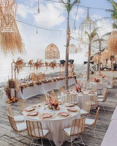 Dream sunset reception for our couple Tim&Mindy = Tindy🧡 Planning, styling and florals @wonderland_bali 📸 @terralogical Furniture @balieventhire Lights @alpatrabali Tableware @thehosttable and @se.meja Stationary @mypeonydesigns Venue @labrisabali _______________________________________ #thebaliweddingguide #destinationwedding #balidestination #islandwedding #thebalibride #hellomay #weddingdream #baliwedding #baliweddingplanner #balibeyond #weddingday #bridalbouquet #baliweddingstylist… Bali Wedding, Santorini Wedding, Destination Wedding, Wedding Ceremony, Phuket Wedding, Wedding Receptions, Reception Ideas, Our Wedding, My Wedding Planner