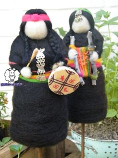 Mujer mapuche Textiles, Tapestry Weaving, Needle Felting, Different Styles, Mandala, Christmas Ornaments, Holiday Decor, Crafts, Amor