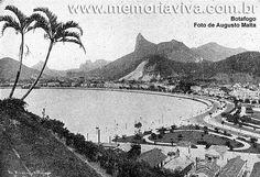 A foto mostra a Praia de Botafogo em 1907, com seus palacetes e vivendas confortáveis. Era o bairro mais procurado pelos aristocratas. (Foto de Augusto Malta)