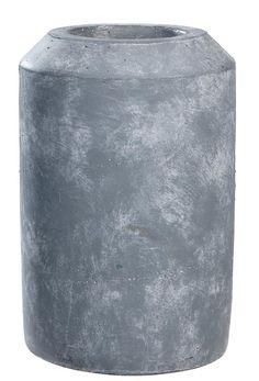 Vaas Beton L 101: Stoere vaas met industriële look. Verkrijgbaar in drie maten #101woonideeen #leenbakker