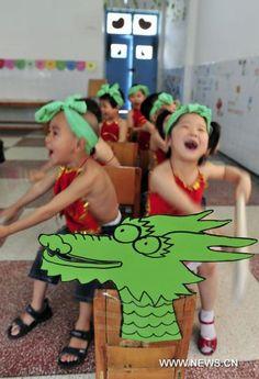 Dragon Boat Festival celebrated across China Fun Learning, Teaching Kids, Teaching Resources, Dumpling Festival, Dragon Boat Festival, Bamboo Leaves, Glutinous Rice, Men Stuff, Paddles