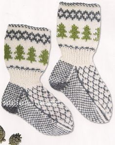 Anyone who knits, I give the old ideas for new works Knitting Socks, Baby Knitting, Knit Baby Dress, New Words, Nye, Mittens, Old Things, Barn, Pattern