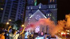 Depois de outdoor em Minas, igreja em Santa Catarina vira telão para homenagear Corinthians