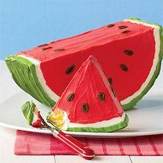 Tarta con forma de sandía: http://charhadas.com/ideas/6617-tarta-divertida-una-sandia-de-lo-mas-dulce?category_id=187-bizcochos-y-tartas