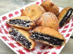 I had these at a local county fair and just had to try to make them. They are delicious.You can substitute your favorite dry pancake mix for the Bisquick. They are best when eaten warm. If you are want to try a lighter version, use lowfat milk, canola oil, and reduced fat Oreos.