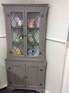 Mahogany Corner Display Unit With Leaded Glass Doors