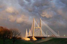 Cape Girardeau, MO : Bill Emerson Memorial Bridge over the Mississppi River at Cape Girardeau, Missouri
