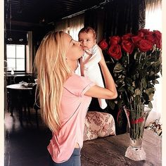 I don't think anyone is this skinny after they have a child.... but it's cute nonetheless