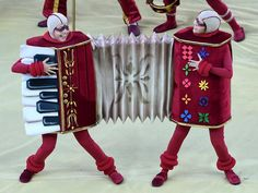 Accordion costume! Awesome!!
